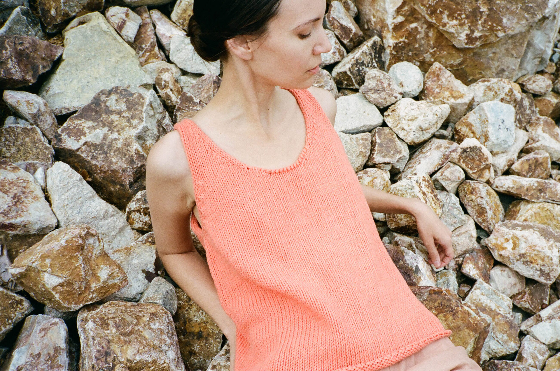 summer-knits-in-by-casissa-gallo-4