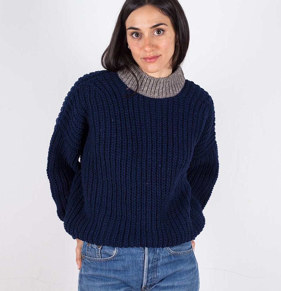 jumper-woman-no19-oversized-navy-model-2