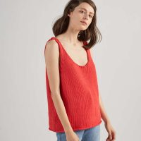 top-woman-no1-red-m1