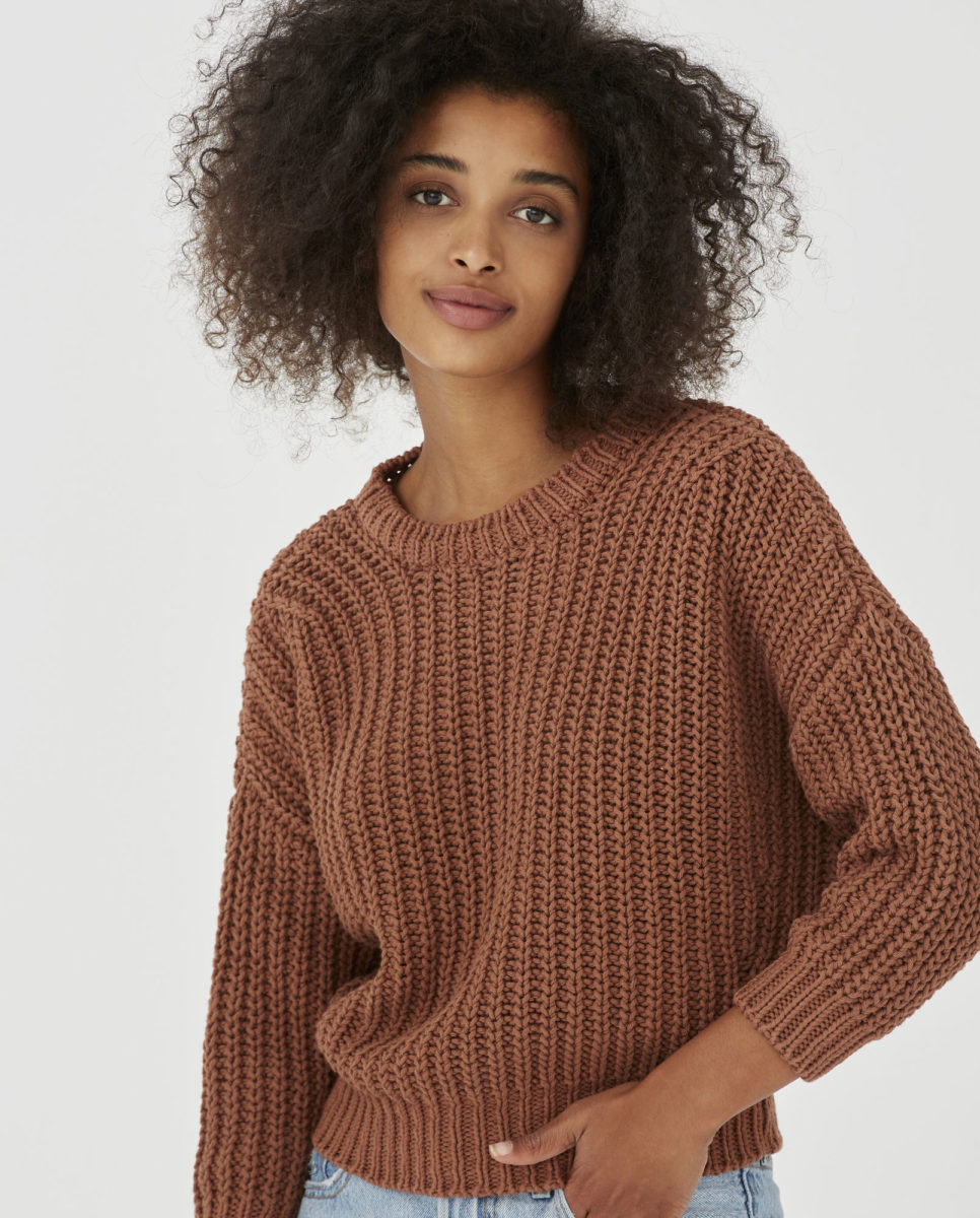 jumper-woman-no18-tonka-bean-1