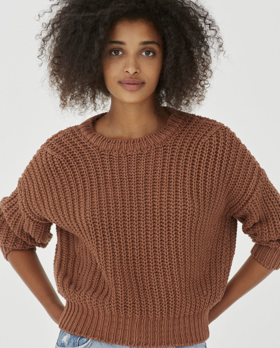 jumper-woman-no18-tonka-bean-3